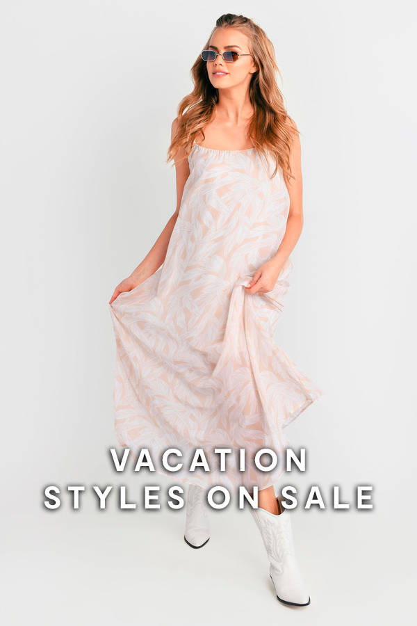 237ba829246 Clothes on Sale