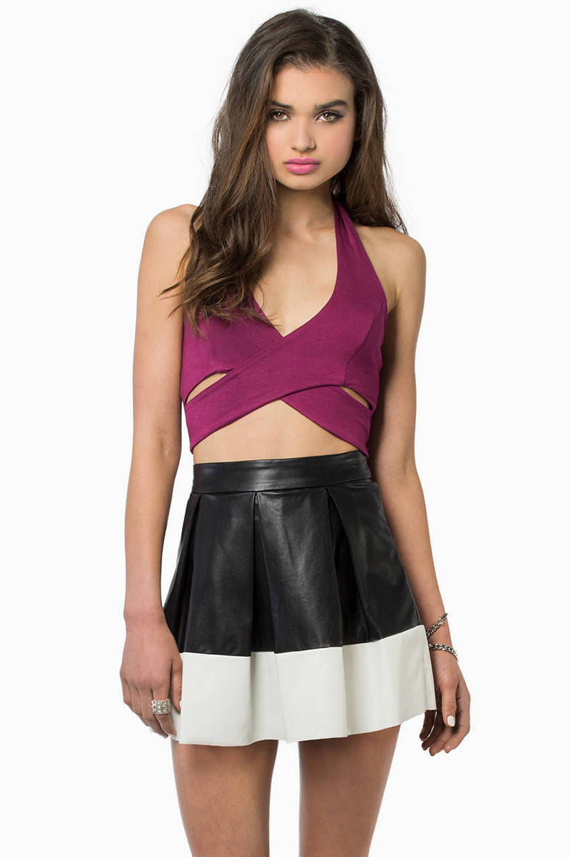 Twist and Halt Crop Top