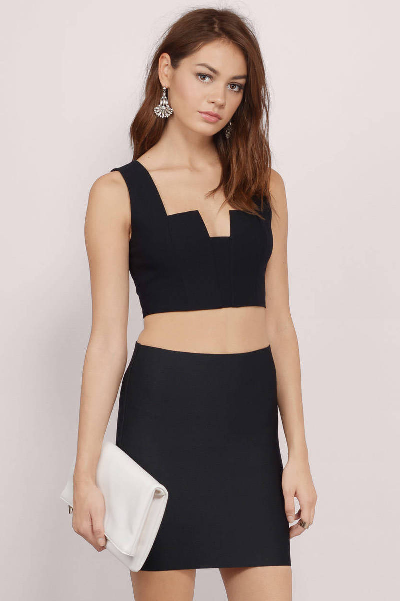Angled Lines Black Knitted Crop Top