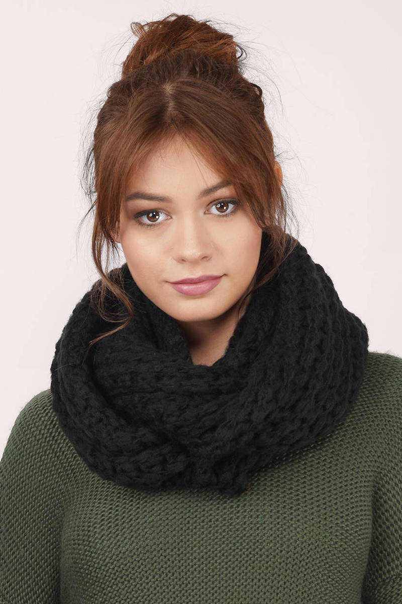 Barcelona Knitted Scarf