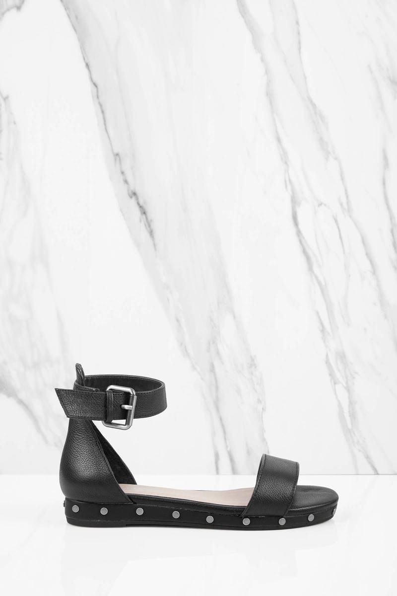 Chinese Laundry Grady Black Ankle Strap Sandals