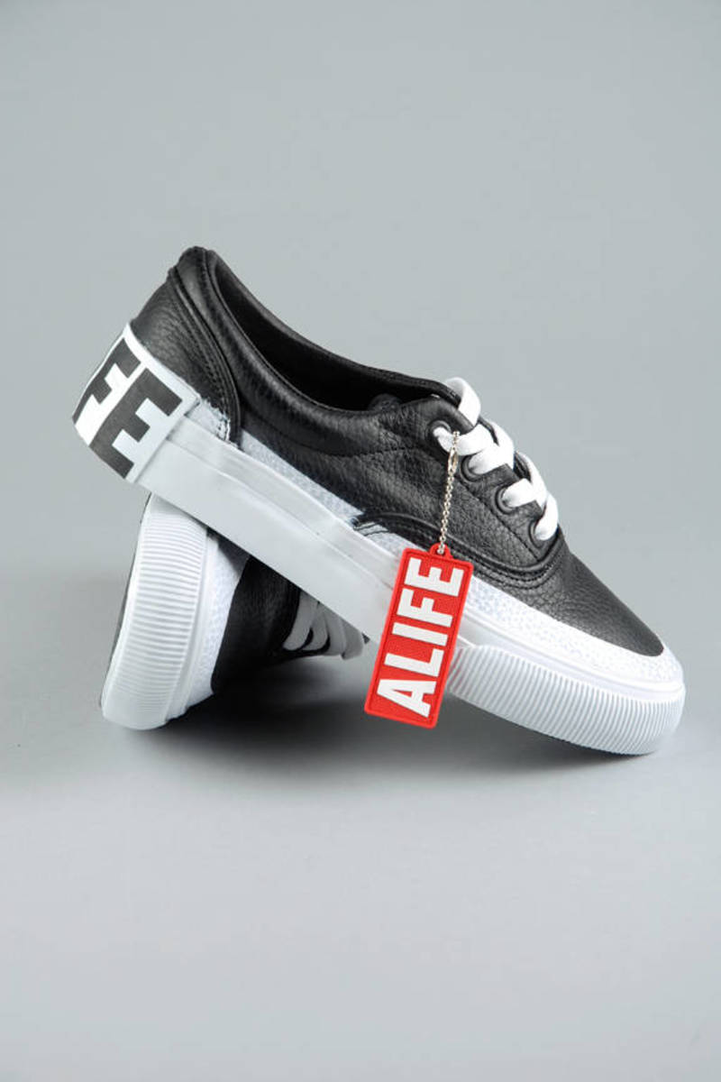 best service e3046 3892c Alife Black Public Outrage Tumbled Leather Sneakers