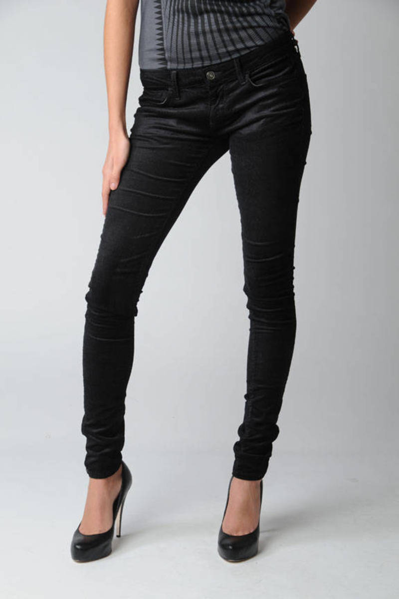 on feet at special discount of original Skinny Cords in Black