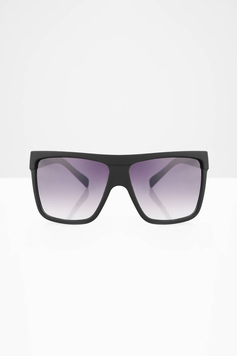 QUAY Barnun Black & Smoke Sunglasses