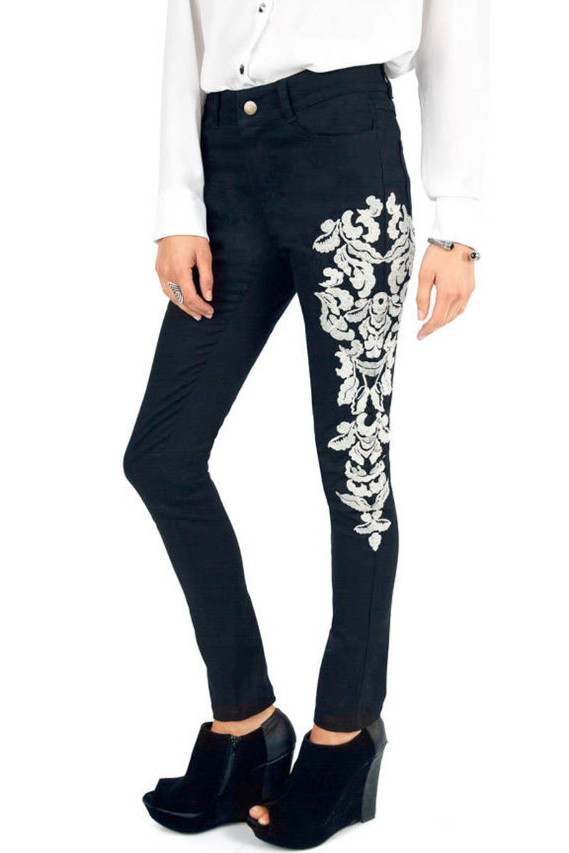 Snowy Leaves Embroidered Pants