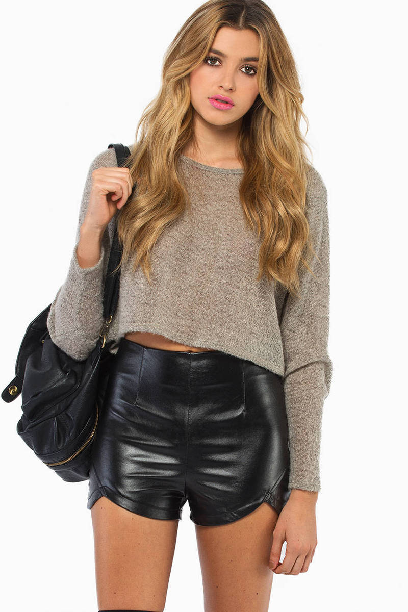 Staci Scalloped Shorts