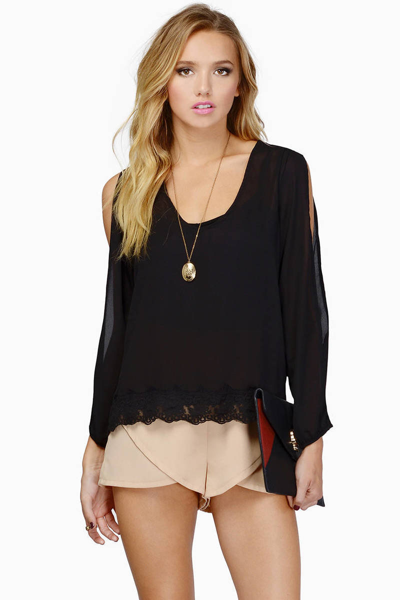 Trimmed Avenues Black Blouse