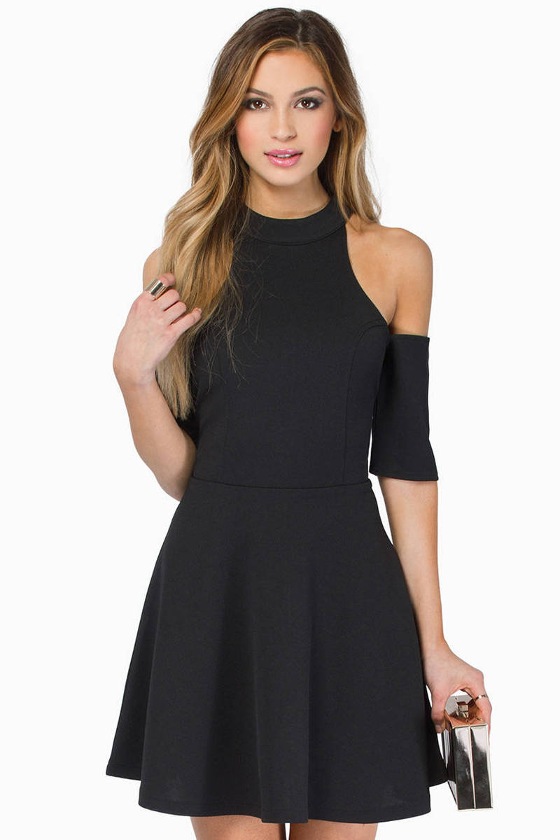 Vindy Cold Shoulder Dress