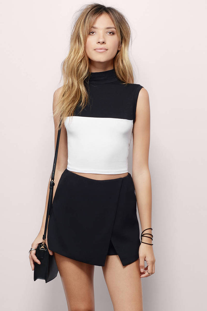 Two-A-Days Black & White Crop Top