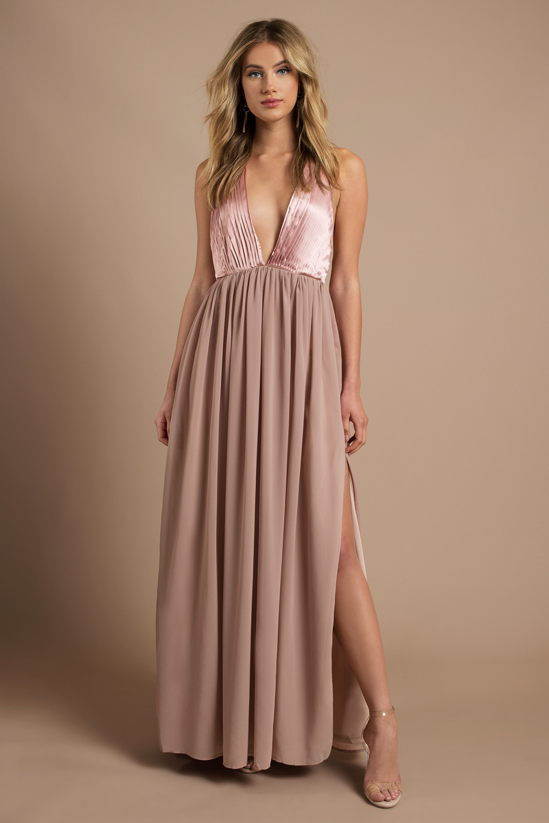 There She Goes Blush Maxi Dress