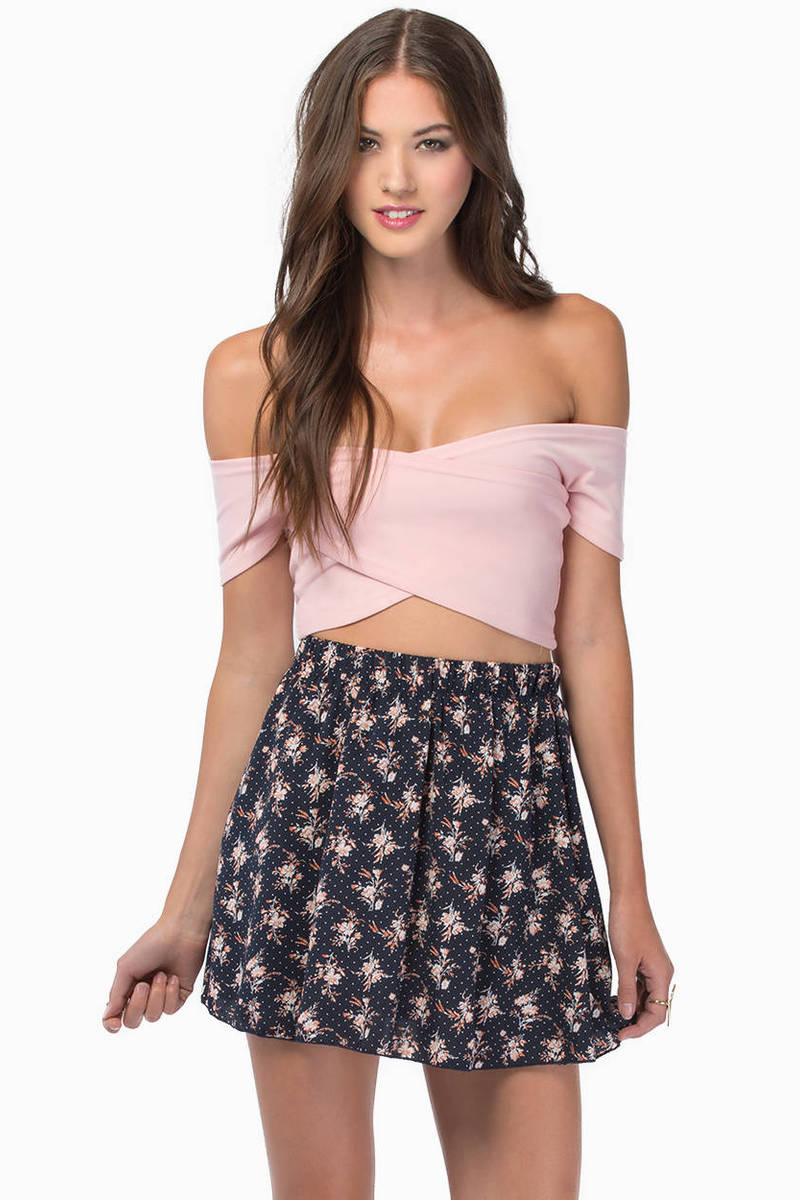 Zip Me Up Zag Crop Top