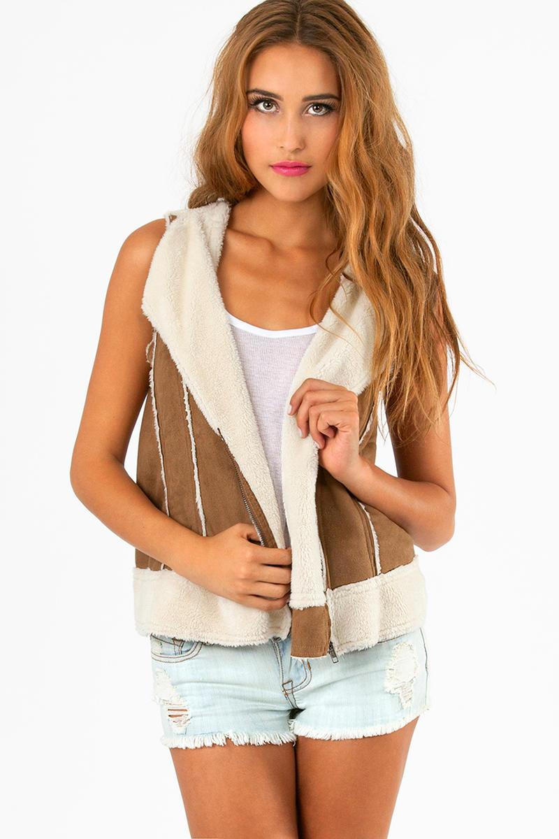 Myrtle Hooded Vest