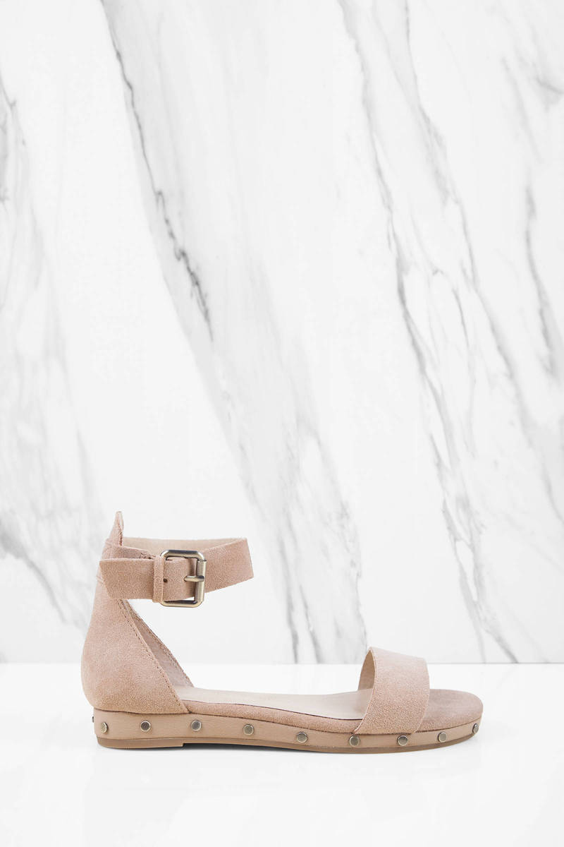 Chinese Laundry Chinese Laundry Grady Camel Suede Ankle Strap Sandals
