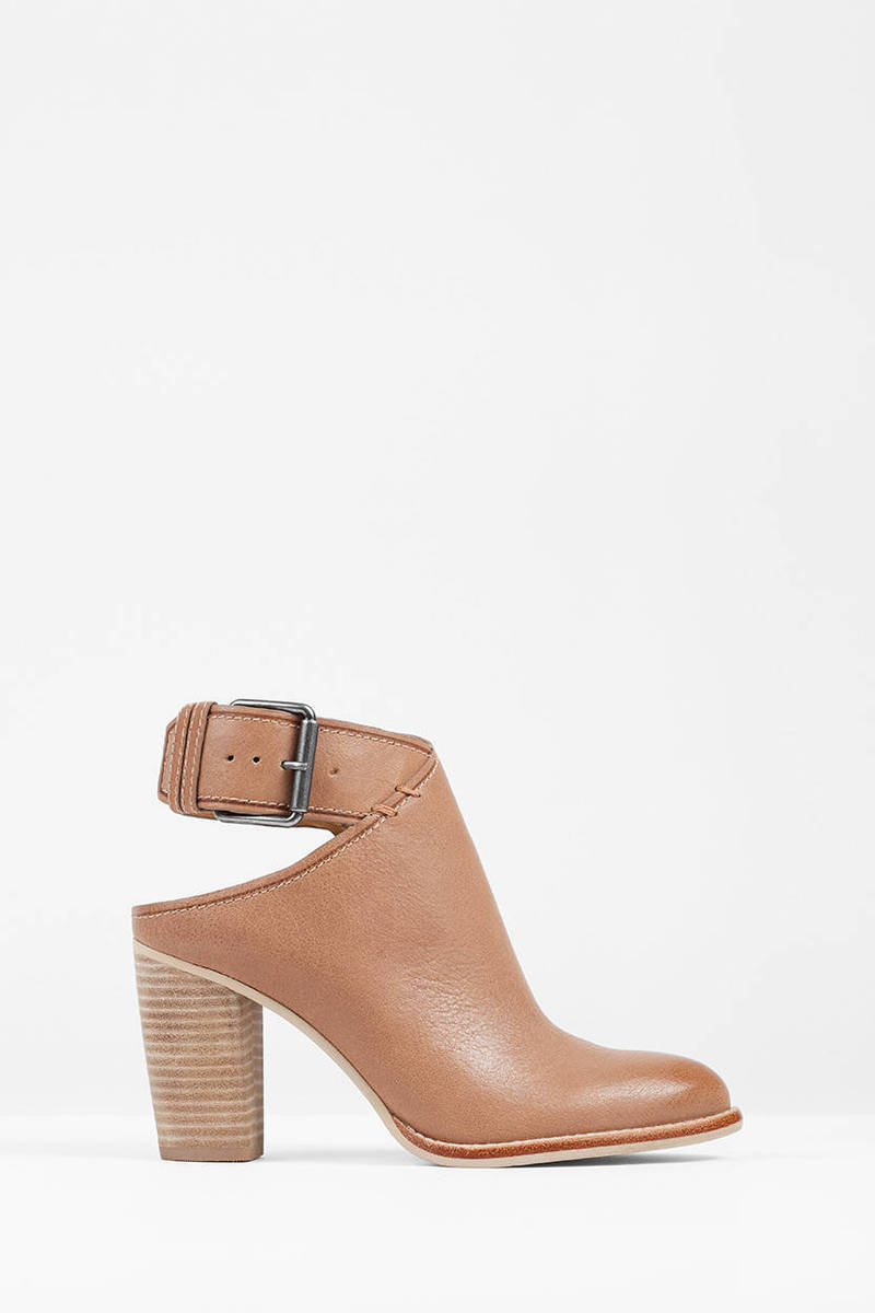 Dolce Vita Dolce Vita Jacklyn Camel Booties