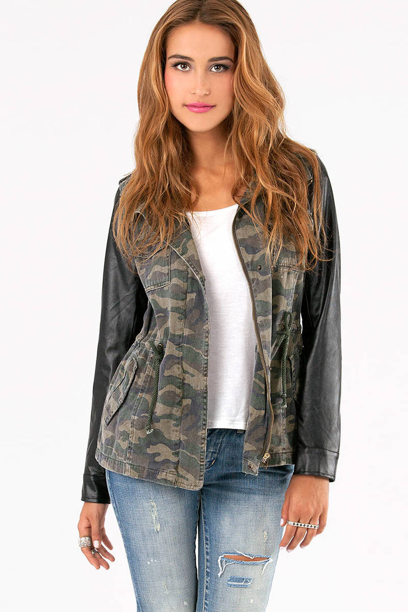 Cam Jacket with Leather Sleeves