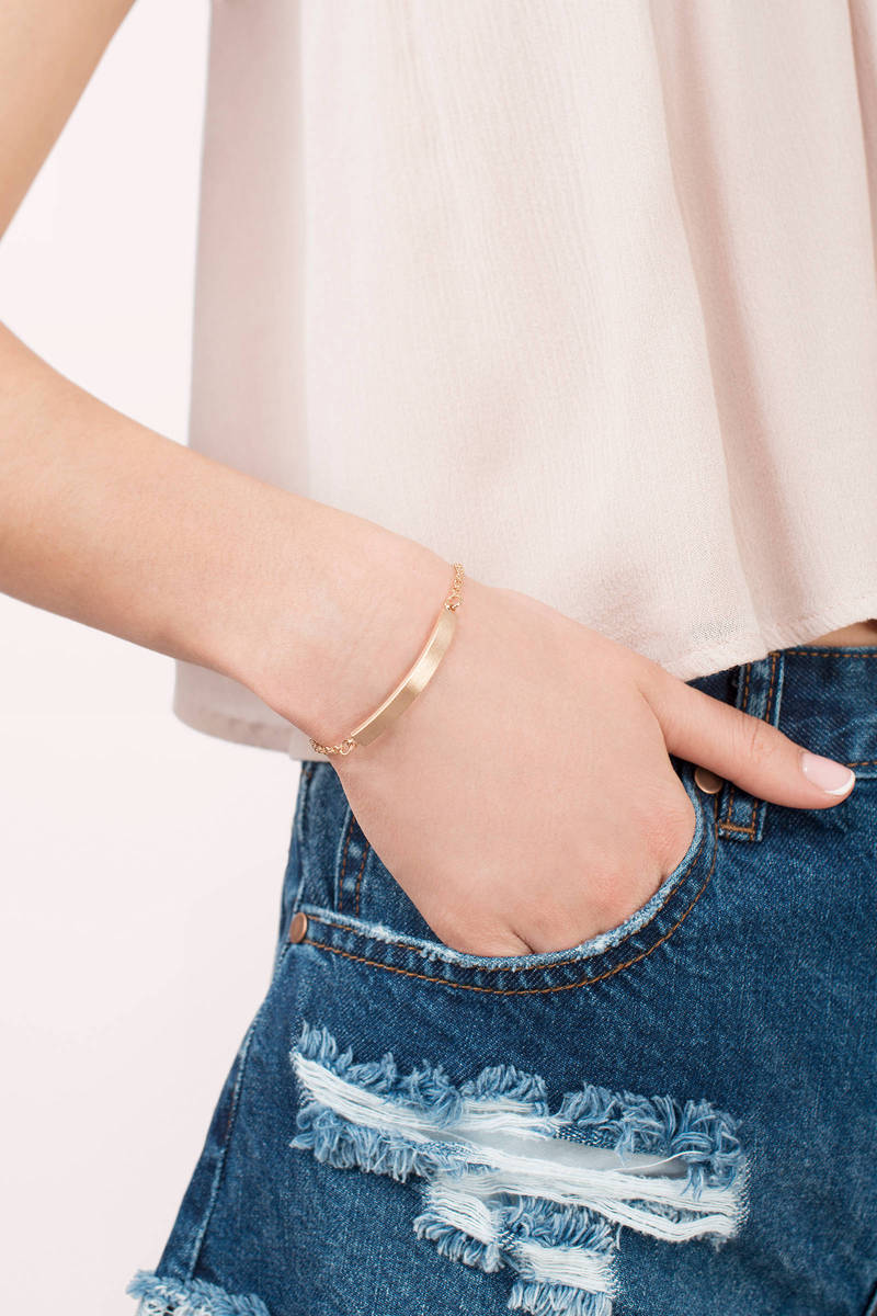 Gold It Down Gold Pull Bracelet