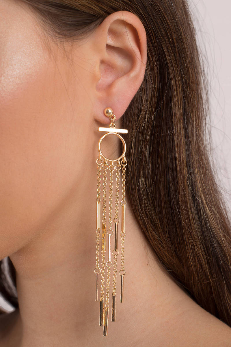 Swing from the chandelier gold dangle earrings 10 tobi us swing from the chandelier gold dangle earrings aloadofball Image collections