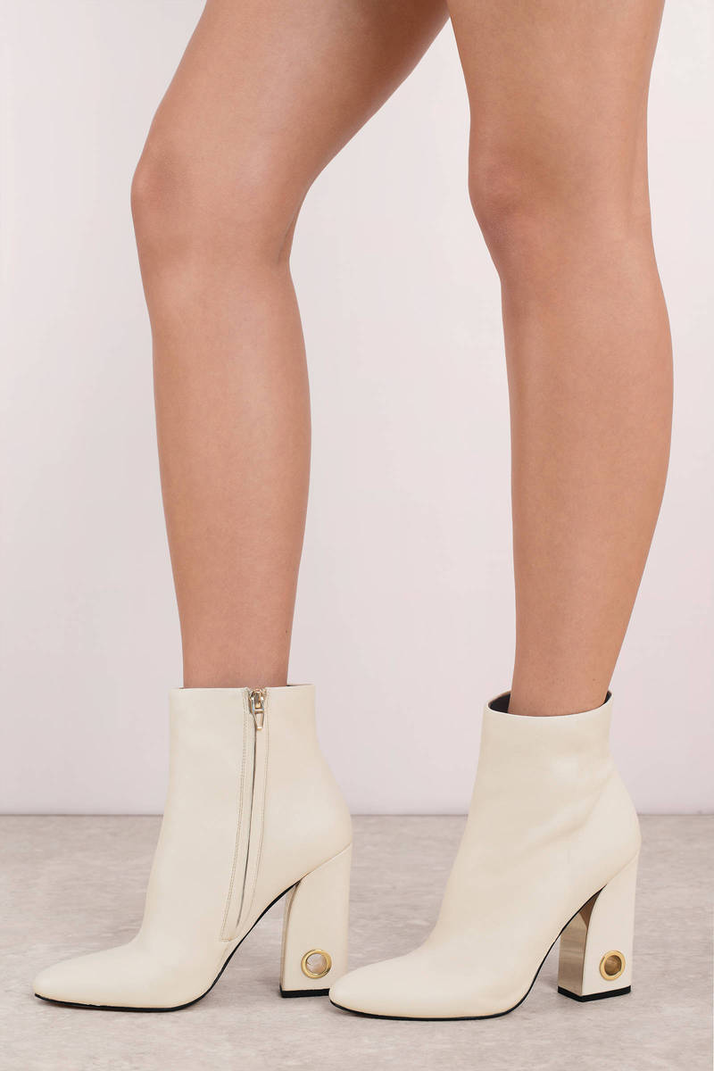7084272667a Valley Leather Booties
