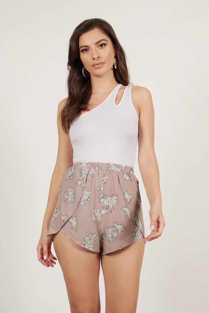 Livin' In Mauve Floral Shorts