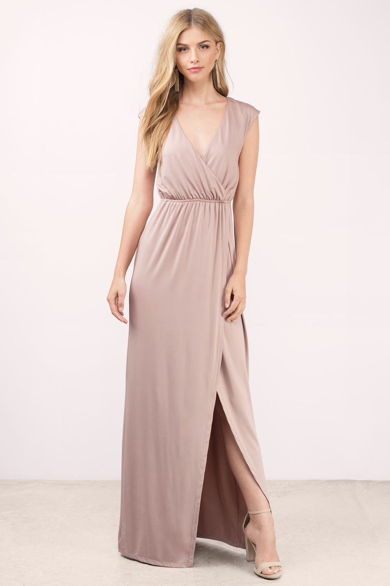 Wholesale maxi dresses are chic and super comfortable, making them a must-have essential. Whether you are looking for a flowy gown, a maxi slip dress, or a jersey maxi dress, you'll find them through wholesale brands like 12PM by Mon Ami, 1X 2X 3X and More, Blue Blush, Entro, Mittoshop, Dance and Marvel, and Hayden LA.