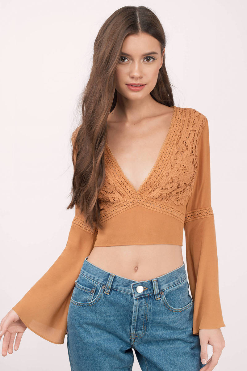 Find the perfect bralet from boohoo's selection of crop tops. With so many choices and styles, create the day to night this wardrobe essential today.