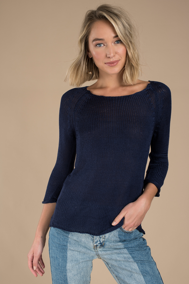 Agnona Crewneck Long-Sleeve Gauge Cashmere Pullover Sweater w/ Step-Hem Details Agnona sweater in gauge knit cashmere. Approx. 26