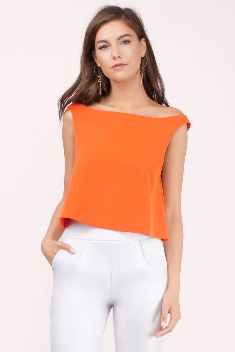 Very cute tank crop top. I wear it with lots of different outfits. I ordered a few different colors but I seem to wear the black crop top tank the most. Adorable with high waisted pants or skirt.