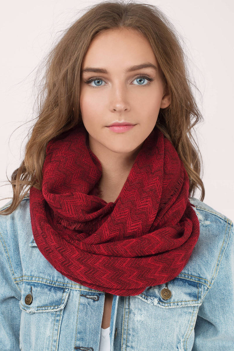 Kelly Red Chevron Knit Scarf