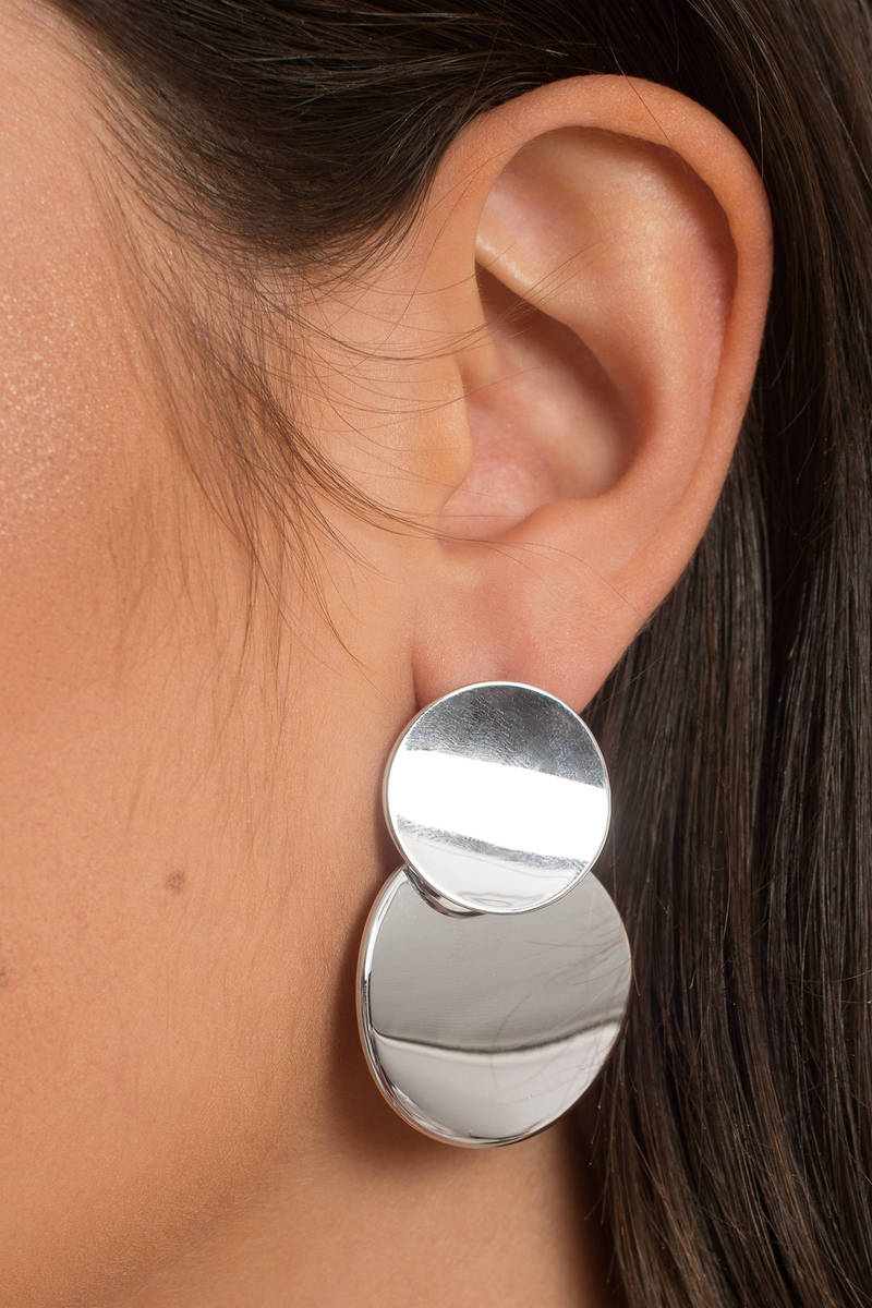 Going In Circles Silver Earrings