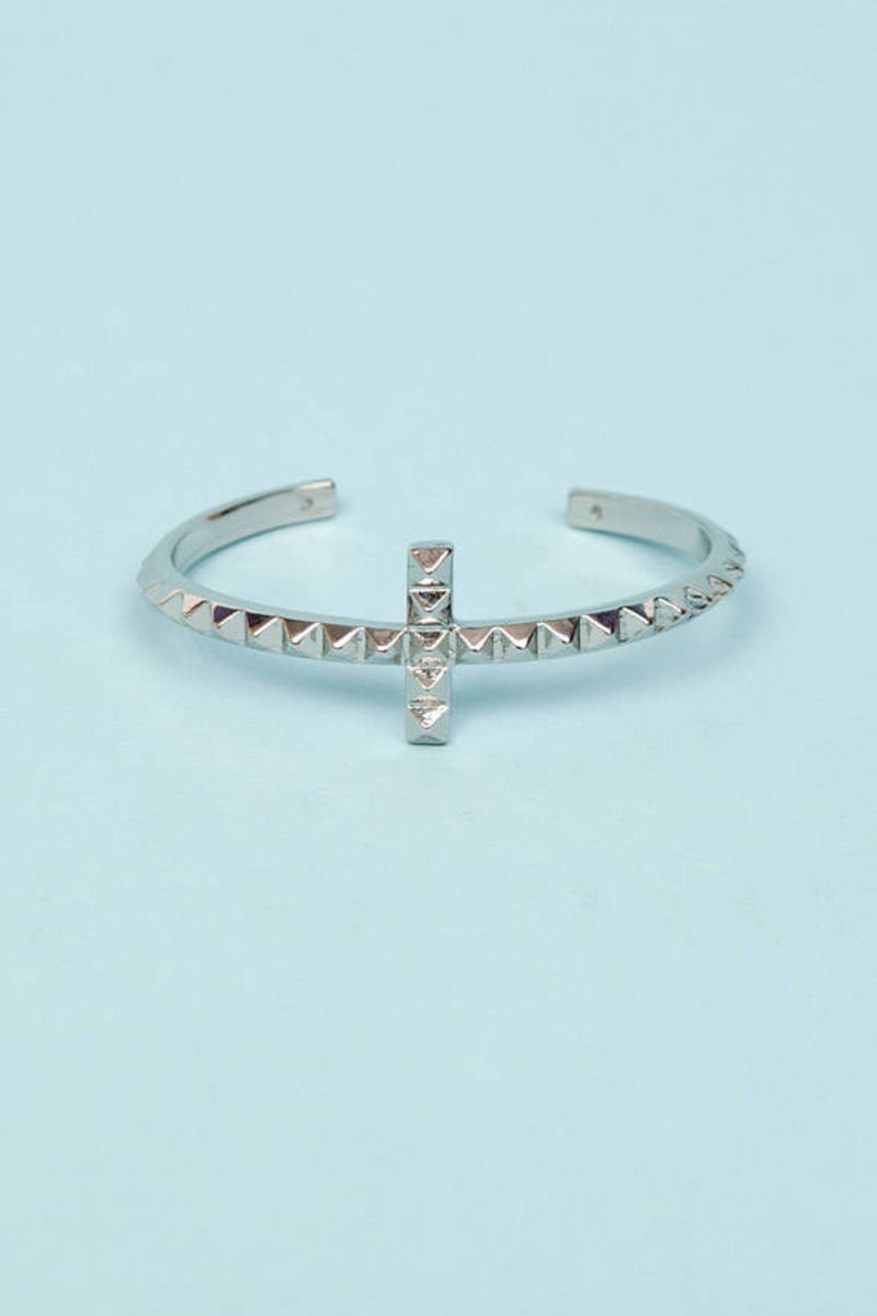 Pyramid Cross Cuff