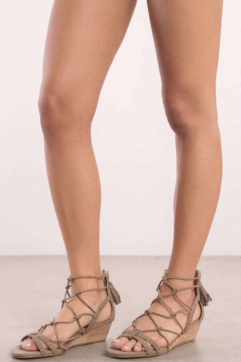 Report Footwear Report Footwear Minnie Taupe Lace Up Wedges