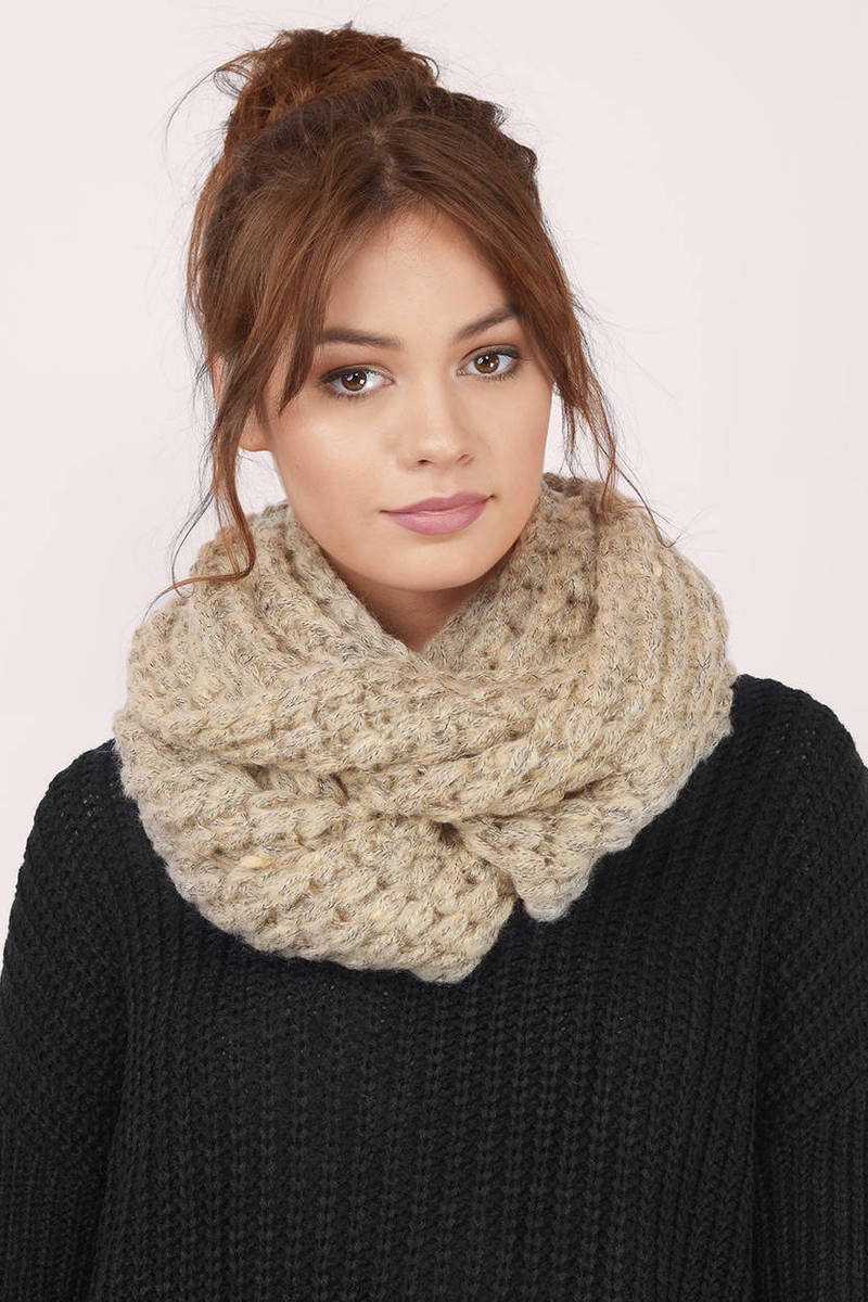 Rayna Knitted Infinity Scarf