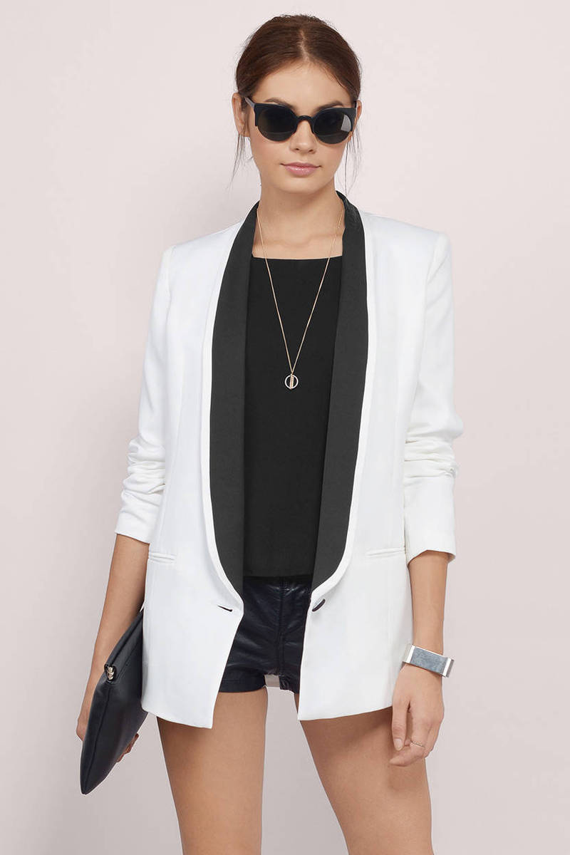 Another Night Out White & Black Long Sleeve Open Front Blazer