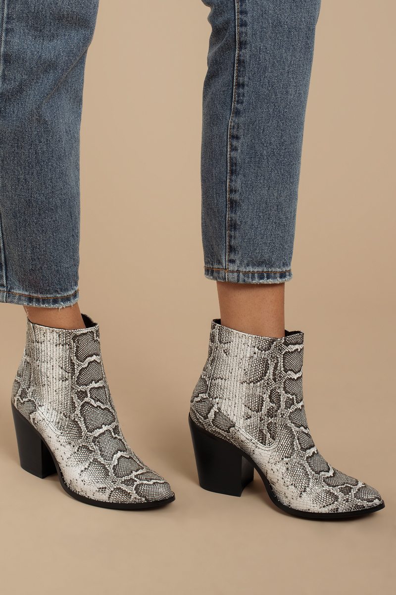 Chinese Laundry Chinese Laundry Sonya White & Black Snake Embossed Ankle Booties