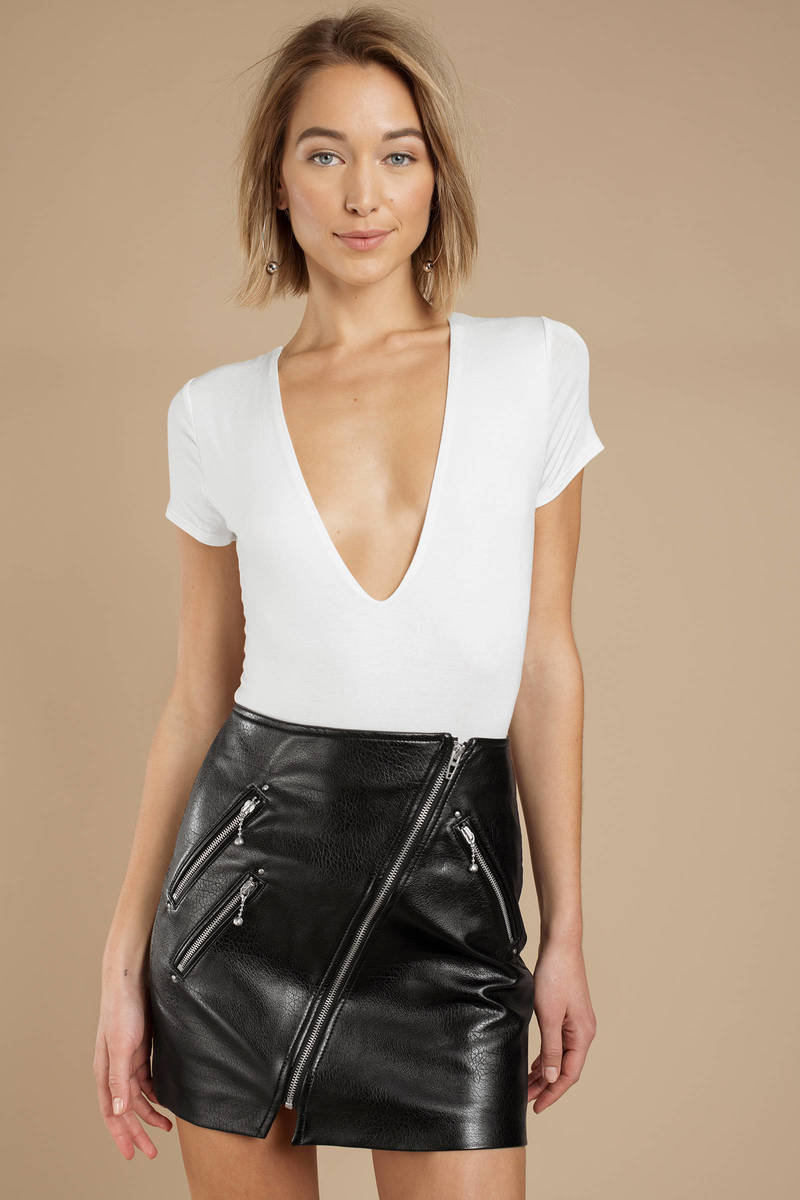 f86f67b22f White Bodysuit - Plunging Bodysuit - White Short Sleeve Bodysuit ...