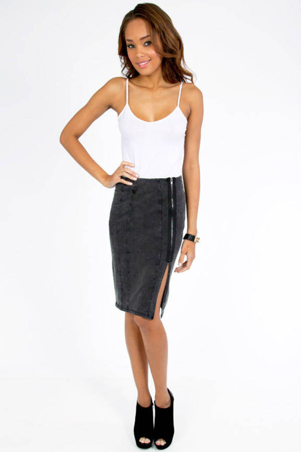 Side Swipe Skirt