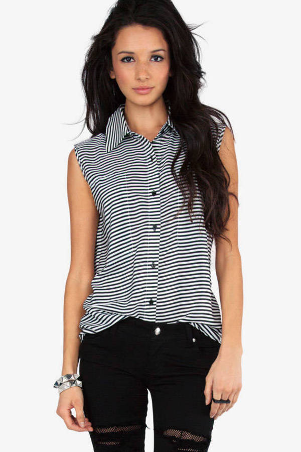 Hamptons Sleeveless Button Up