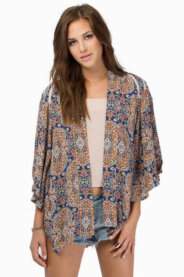 Dainty Femme Kimono