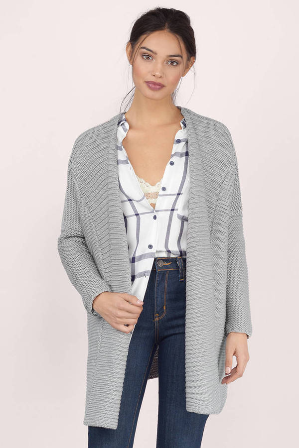 A Gap cardigan sweater is a wonderful addition to any wardrobe. Our selection of cardigans includes a variety of trendy styles and colors to coordinate with any outfit.