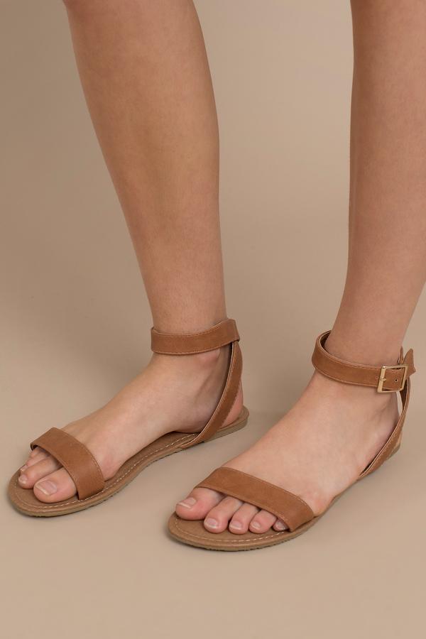 c0f4e0ab3f51 Flat Sandals