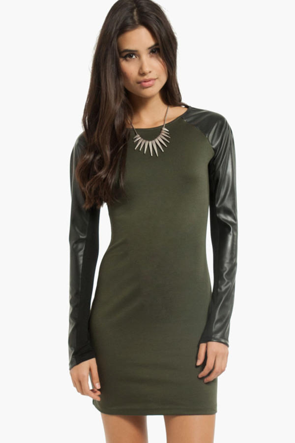 Up in Arms Contrast Dress
