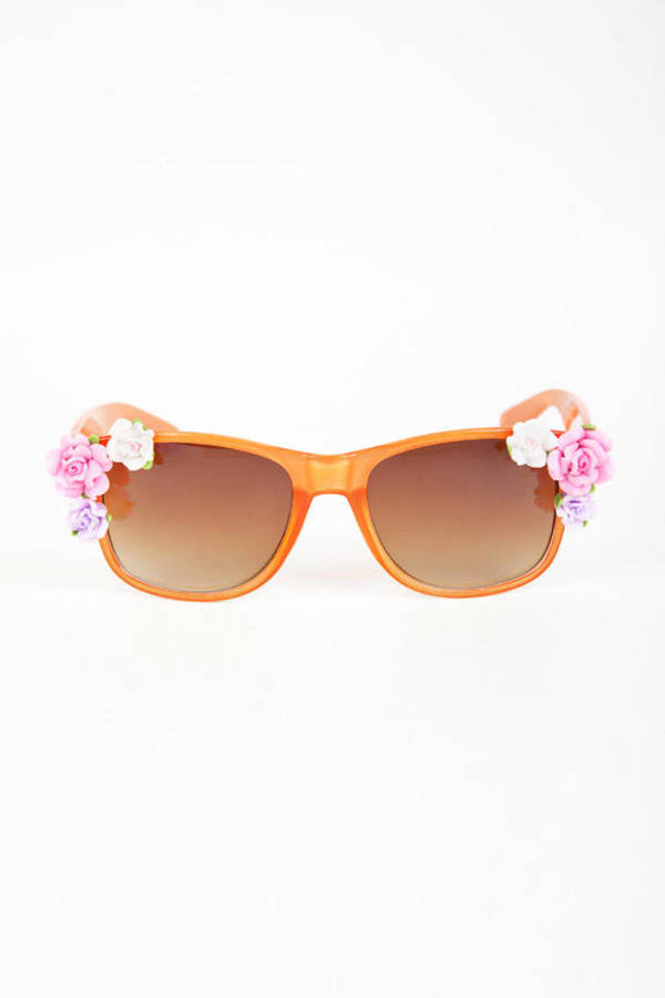 Rose and Pose Sunglasses