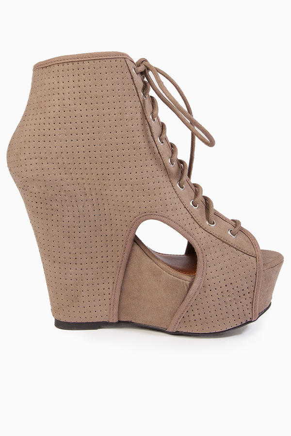 Karen Cutout Wedges
