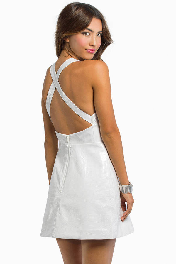 Cameo Simple Song Dress