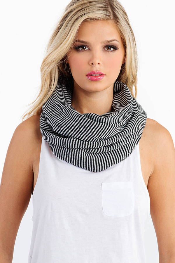 Fall In Line Scarf