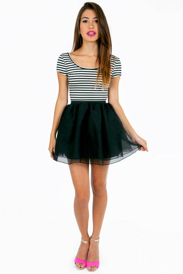 Scooping Stripe Bow Crop Top