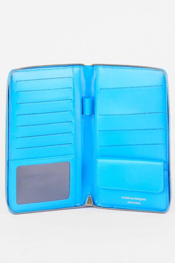 comme des garcons blue clover color embossed large zip wallet - Clover Color