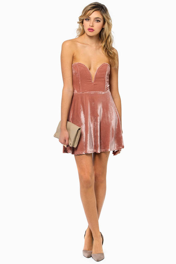 Sara Sweetheart Velour Dress