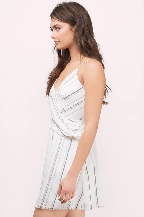 ... Pleated Dresses 0c3a1feec
