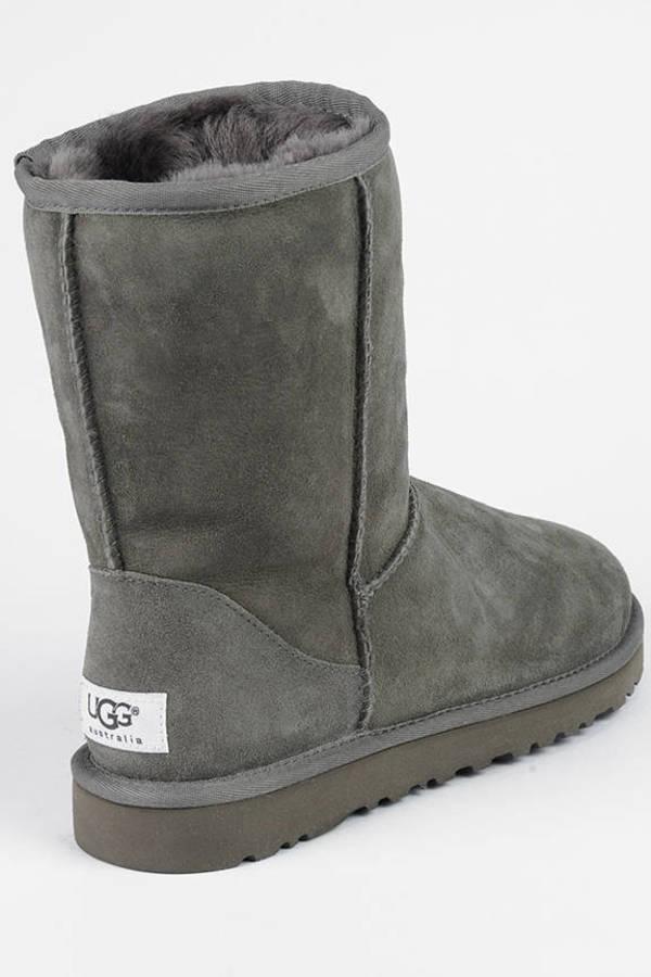 b4c786ef119 Classic Short Sheepskin Boots